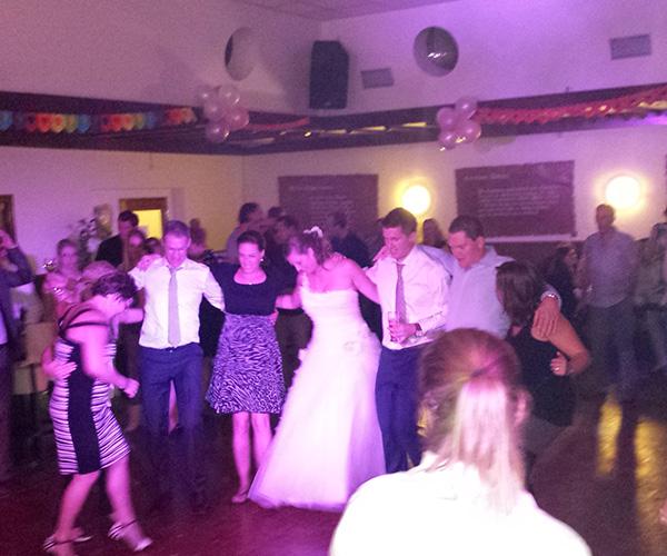 arcen-dj-bruiloft-dansen-evenement-huwelijksfeest