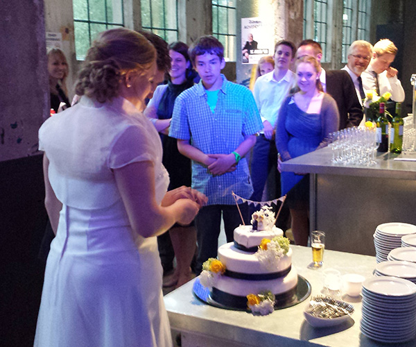 bruiloft-taart-aansijden-dj-venlo