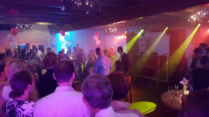 deejay-dj-venlo-limburg-maasbree-helden-panningen-feest-bruiloft-huwelijk-party-dansen-maaspoort (1)