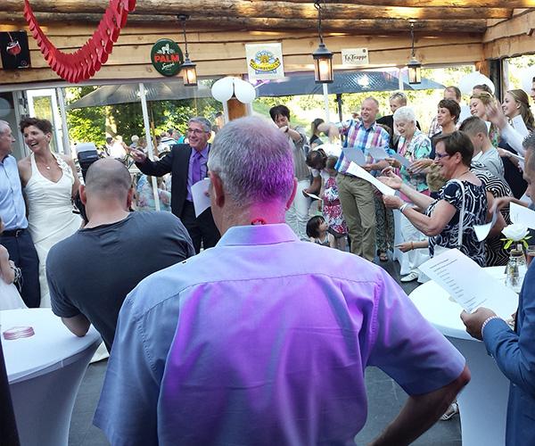 feest-horst-bruiloft-huwelijksfeest-dj-venlo-limburg-dansen-publiek-gasten-ceremoniemeester