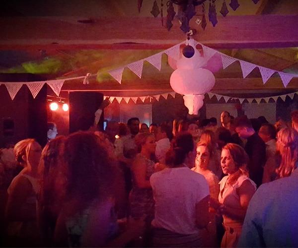 maasbree-dj-baarlo-helden-panningen-horst-feest-deejay-dansen