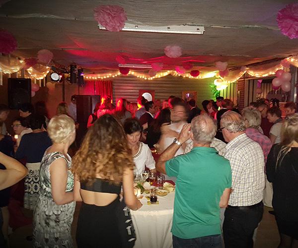 versiering-bruiloft-dansen-feest-huren-artikelen-venlo-limburg