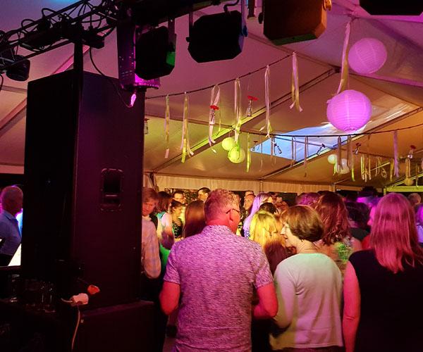 dj-venlo-feest-beste-dansen-leuk-disco